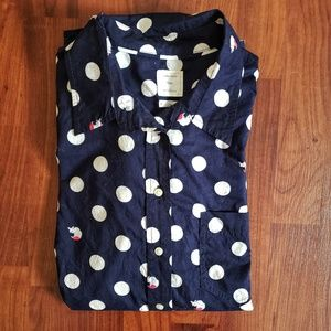 3/$25 Gap polka dot buttondown fox detail